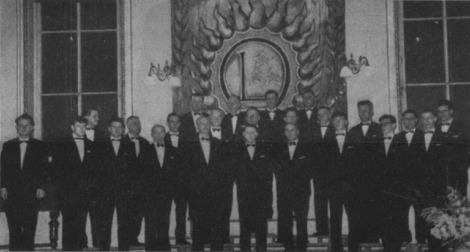 Zuikas vīru koris ar diriģentu Vili Lāci (kreisajā malā) 1964. gadā