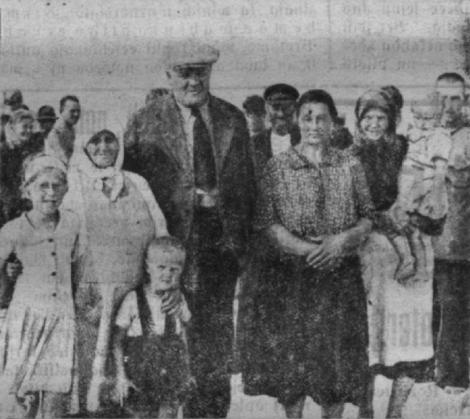 Valsts prezidents K.Ulmanis Mazirbes jūrmalā zvejnieku vidū