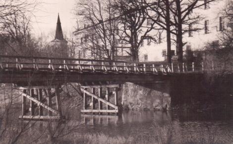 Tilts pār Dundagas dīķi