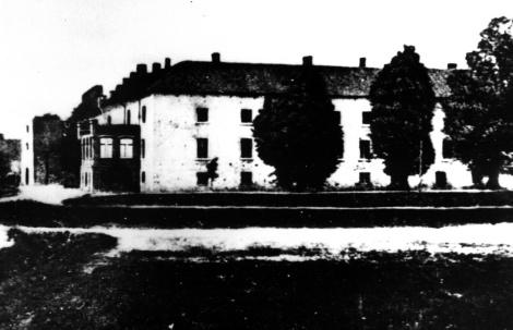 Dundagas pils pēc 1905. gada ugunsgrēka. Foto pie K.Lēvisa of Menāra raksta.